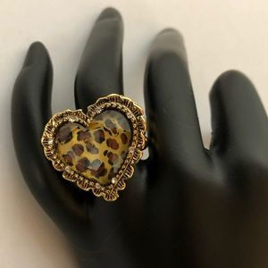 Betsey Johnson EUC leopard heart ring!